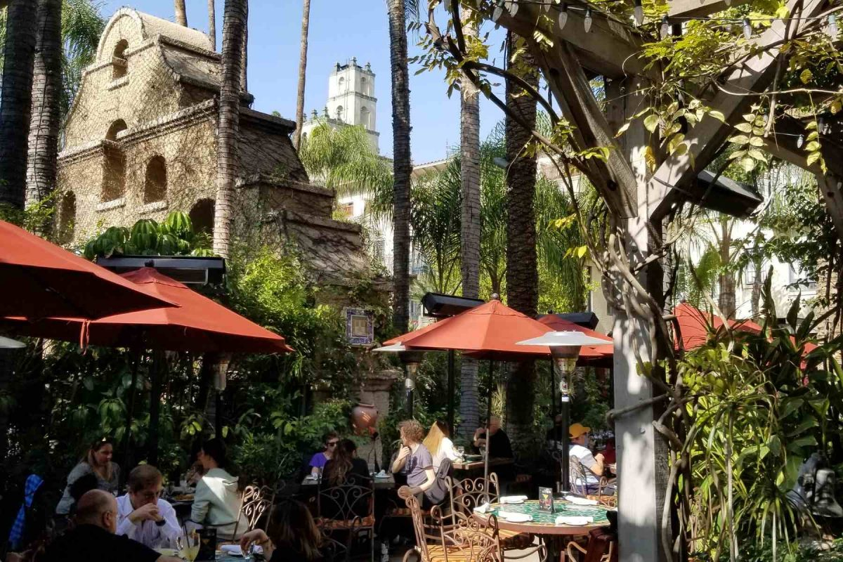 Mission Inn Campanas Restaurant patio