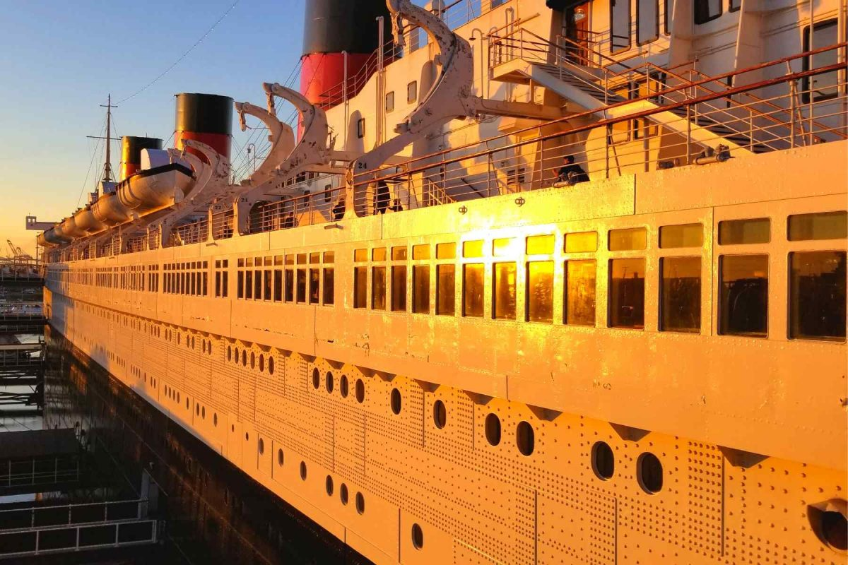 Beautiful Queen Mary at sunset
